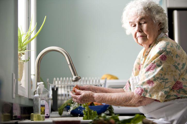 Les risques pour les personnes âgées à domicile